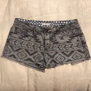 O'Neill shorts Aztec Tribal Low rise size9